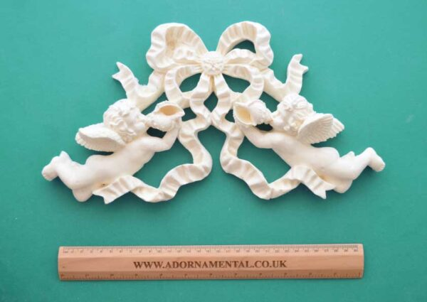 Large Cherub Bow Moulding