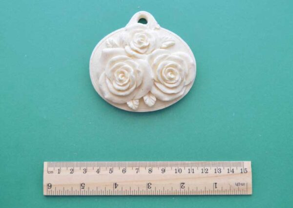 Hanging Oval Rose Plaque