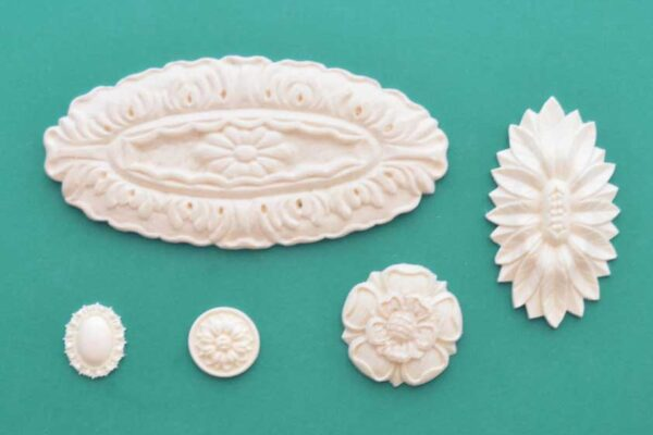 Rosettes, Medallions and Ovals