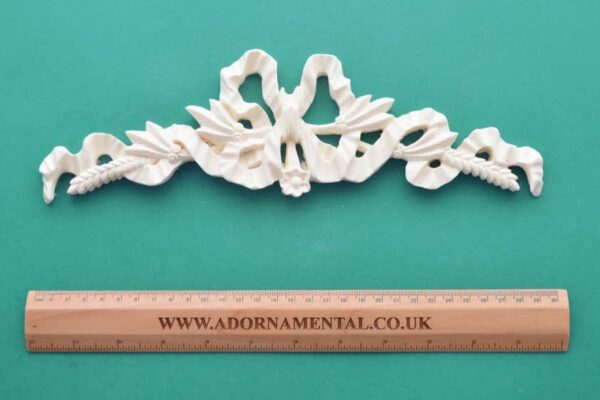 Bow Wheat Centrepiece Resin Moulding