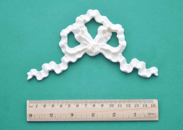 Ripple Bow Resin Moulding