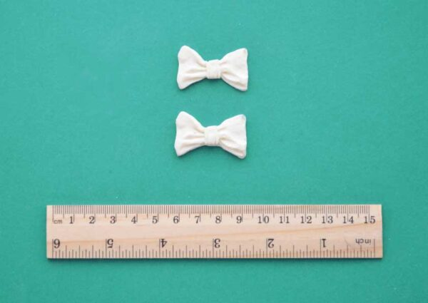 imple Ribbon Bow x 2 Resin Moulding