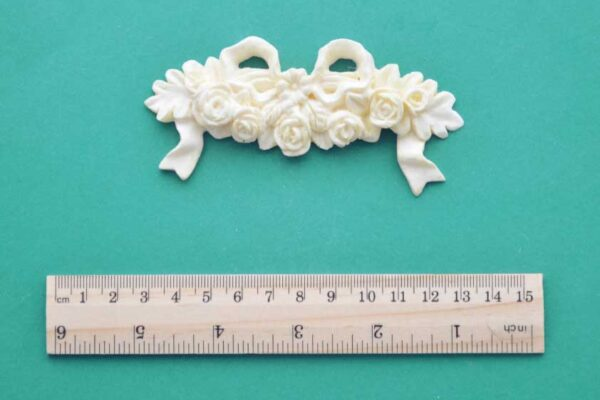 Small Rose Cluster & Bow Resin Moulding