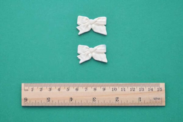 Ruffled Bow Resin Mouldings