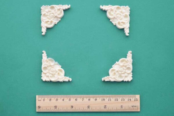 Decorative Corner Mouldings Set