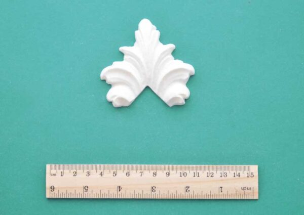 Feather Corner Resin Moulding
