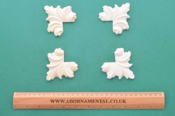 Feather Corners - Set of 4 Resin Moulding