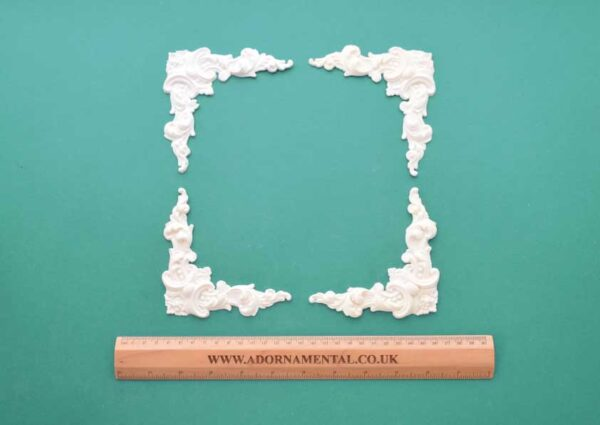Regency Corners - Set of 4 Resin Moulding