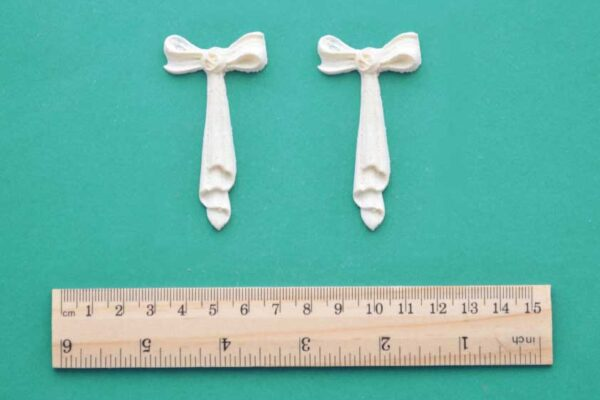 Small Bow Drop Mouldings