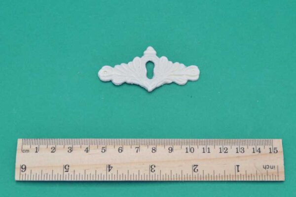 Small Scroll Escutcheon Moulding