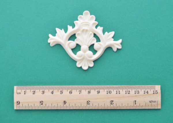 Victorian Feather Plume Moulding`