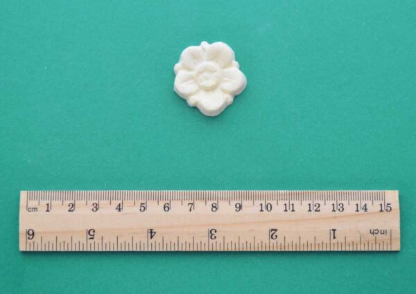 Small Blossom Flower Moulding