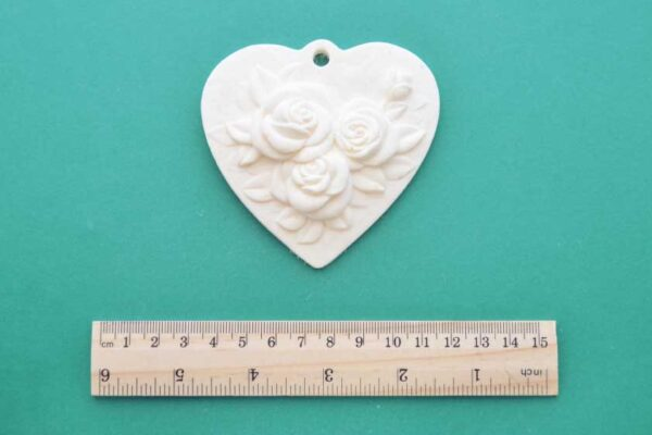 Hanging Roses Heart Plaque