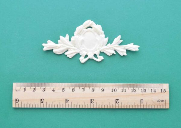 Small Victorian Centrepiece Moulding