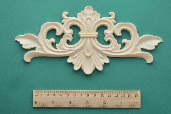 Fleur Leaf Scroll Pediment