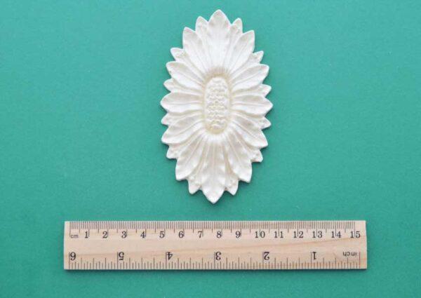 Large Oval Sunflower Medallion