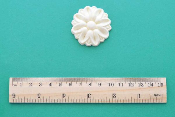 Medium Deco Rosette Moulding