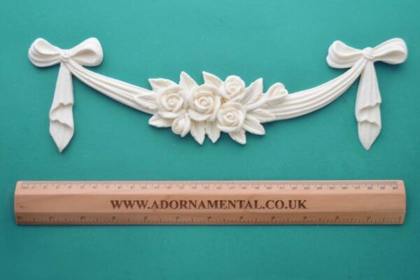 Large Rose Cluster Moulding