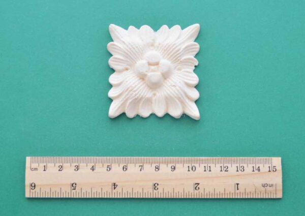 Decorative Flower Square Moulding