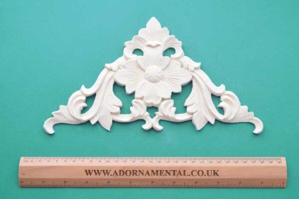 Large Ornamental Corner Moulding