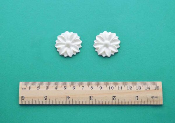 Small Deco Rosette Mouldings