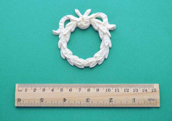 Laurel Wreath Short Ribbons