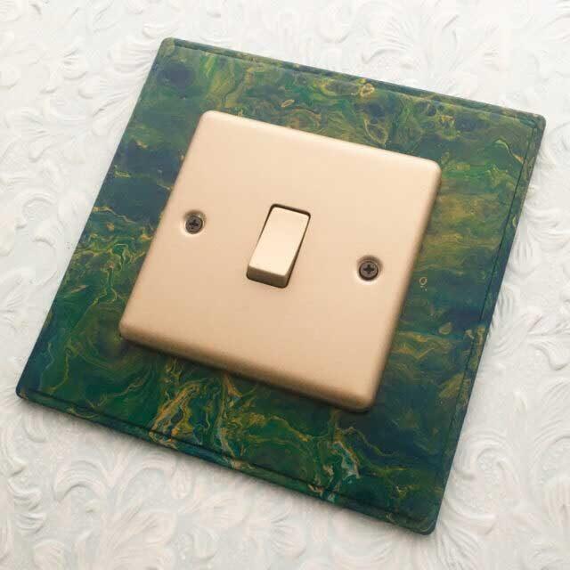 Acrylic Pour Moulding
